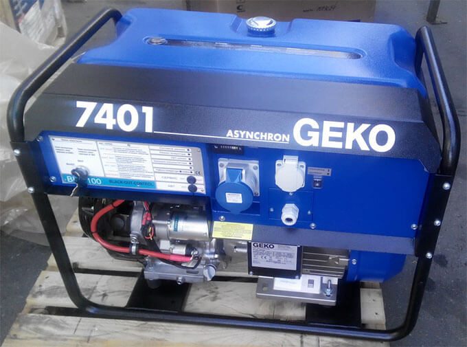 Бензогенератор Geko 7401
