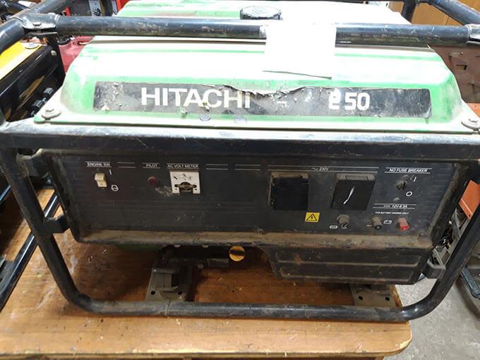 Привезли бензогенератор Hitachi