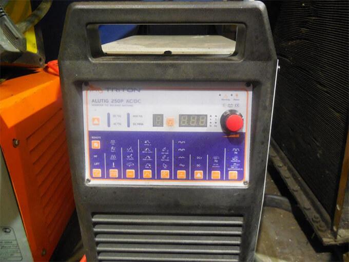 Triton Alutig 200P AC/DC